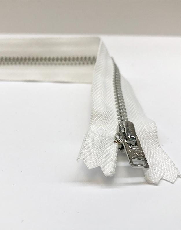 White zip 15cm