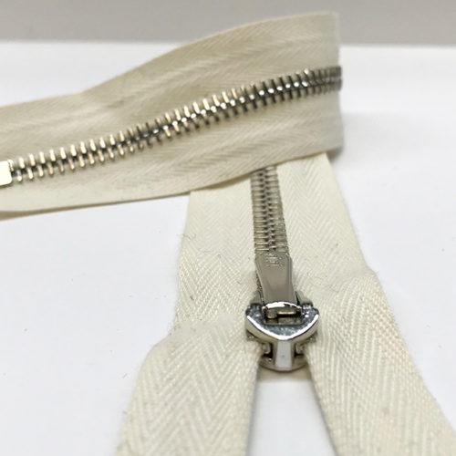 Cream zip 26cm