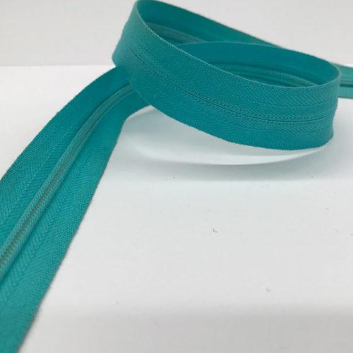 Turquoise zip 60cm